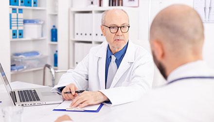 Опытные врачи и психотерапевты – Алковит